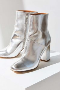 urban-outfitters-boot