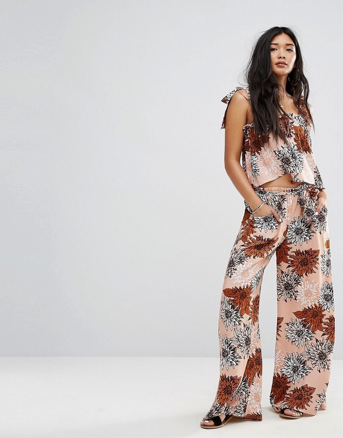 Missguided Retro Floral Print Wide Leg Pants