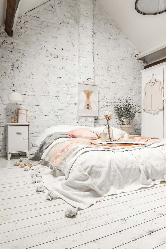 Raw white interiors - design bedroom