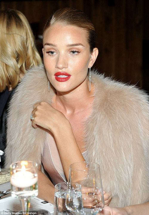 rosie huntington - christmas makeup